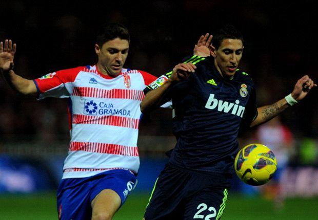 Siqueira jugando con el Granada contra el Real Madrid