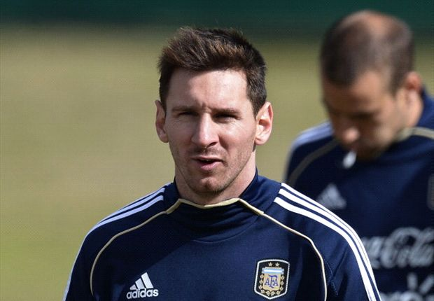 Argentina World Cup hopes depend on Messi fitness, says Kempes