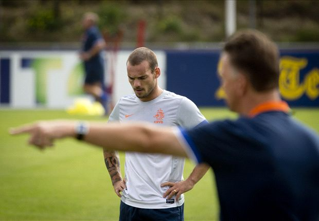 Estonia-Netherlands Preview: Sneijder returns as Oranje seek seventh win in seven