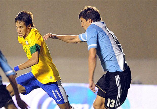 En su debut con la Selección, a Vergini le tocó marcar a Neymar en el Superclásico de las Américas.