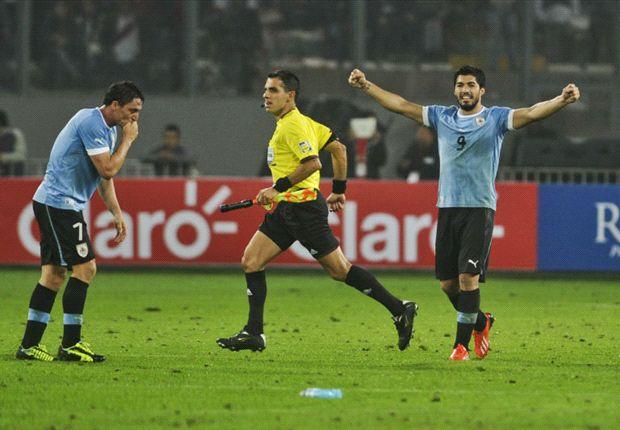 El delantero de Liverpool hizo los dos tantos con los que Uruguay venció a Perú en Lima