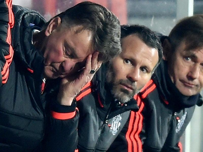 Manchester United, Scholes milite pour Giggs