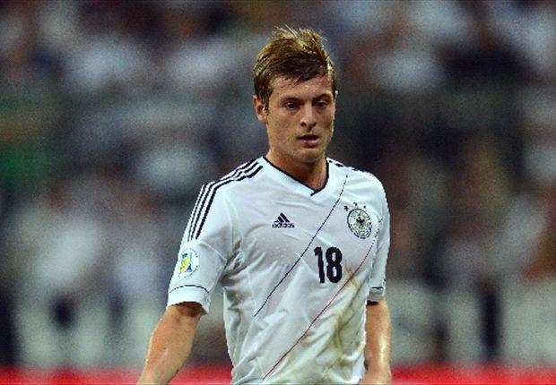 Toni Kroos trifft zum 2:0 für Deutschland