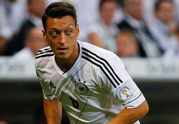 Fabregas backs Ozil to shine at Arsenal