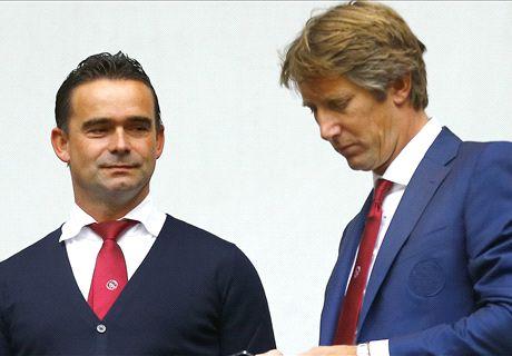 Ajax wil langer door met Overmars