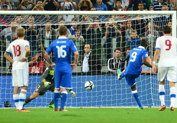 Italy 2-1 Czech Republic: Balotelli fires Azzurri to World Cup