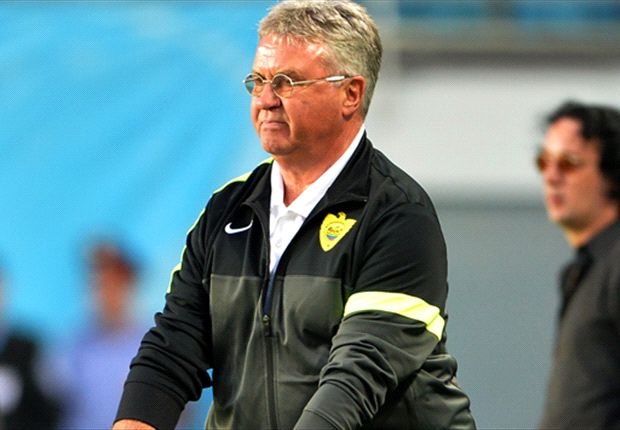 Hiddink signs deal to become next Holland manager