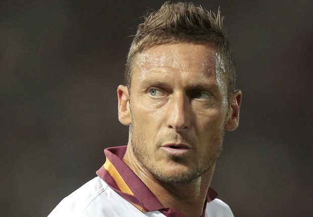 Totti set to sign new deal at Roma