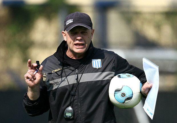 Racing no tiene entrenador. Carlos Ischia presentó la renuncia.