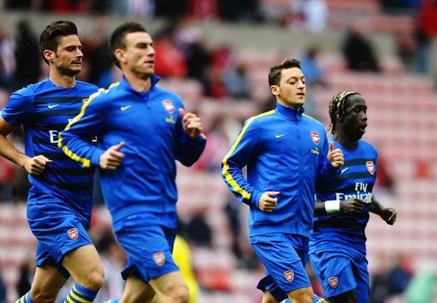 Mesut Ozil Gemilang, Arsenal Puncaki Klasemen