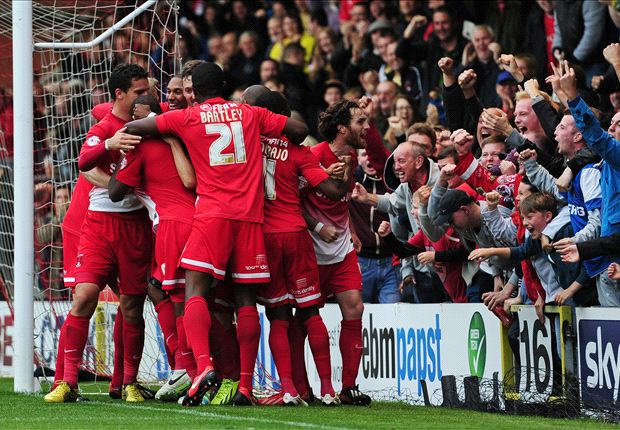 League One Round-up: Leyton Orient maintain perfect record as Wolves win again