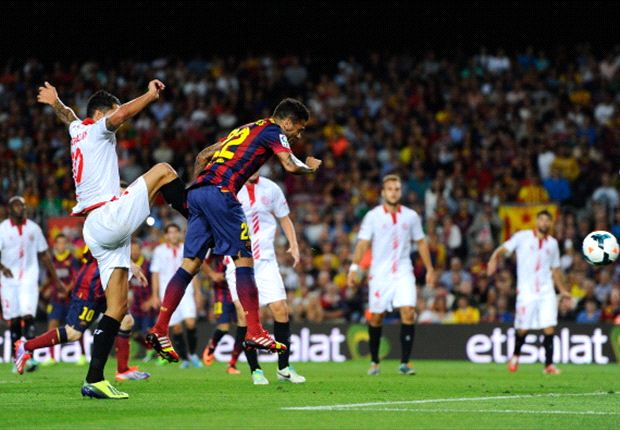 Barca defeat 'a stitch up', claims Navarro