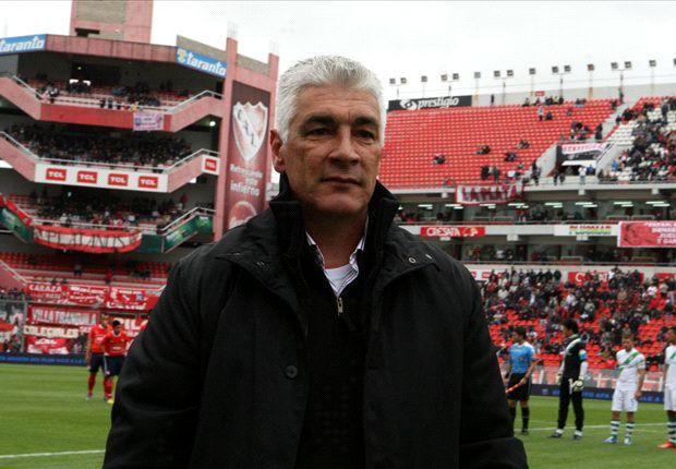 De Felippe le pidió paciencia a los hinchas de Independiente.