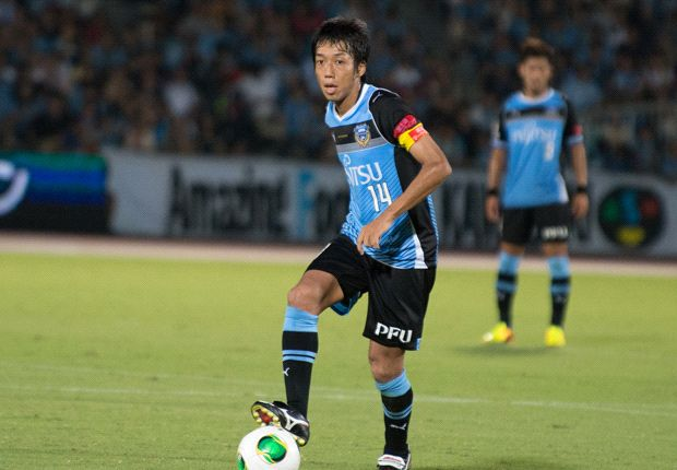 Kengo Nakamura in domestic action for Kawasaki