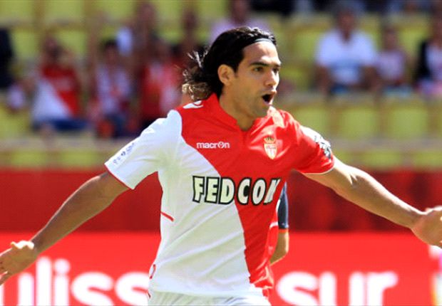 Cavani v Falcao: The battle between the world's two best penalty box strikers