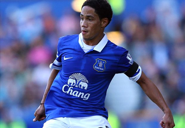 Everton midfielder Pienaar set for longer spell on the sidelines