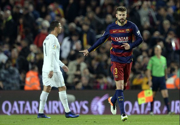 Pique MOCKS Ronaldo during Barcelona's title party