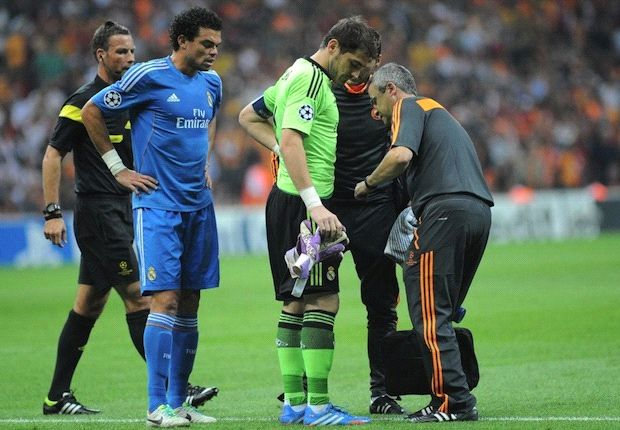 Casillas sustains bruised rib