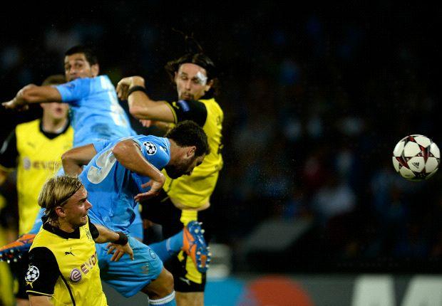 Napoli Tundukkan Sepuluh Pemain Borussia Dortmund