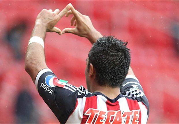 Marco Fabián sería negociado en la Premier League
