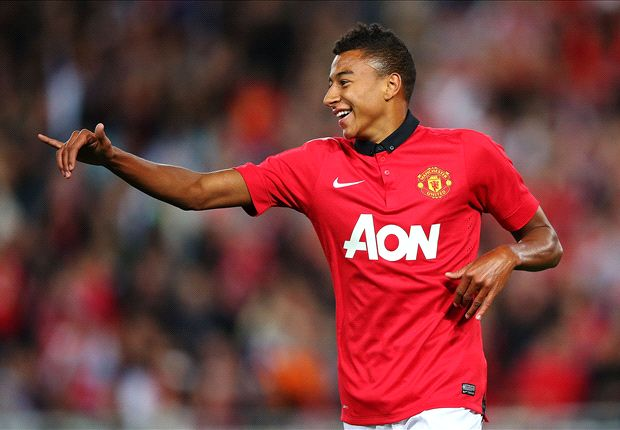 Manchester United loan out Lingard