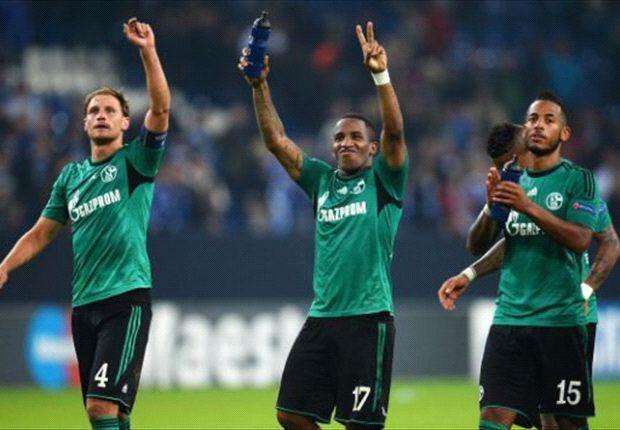 Nach Sieg in der CL: Jefferson Farfan (m.), Benedikt Höwedes (l.) und Dennis Aogo (r.) glücklich