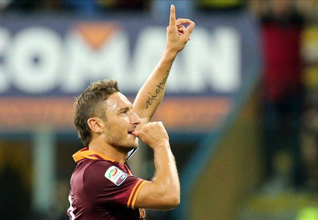 Totti, 538 partidos y 228 goles en la Serie A, siempre con la camiseta de Roma.