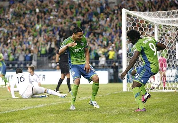 Obafemi Martins snags Goal of the Week to add to his Player of the Week award
