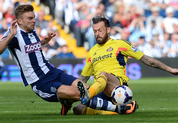 Sunderland striker Steven Fletcher out for six weeks with shoulder injury