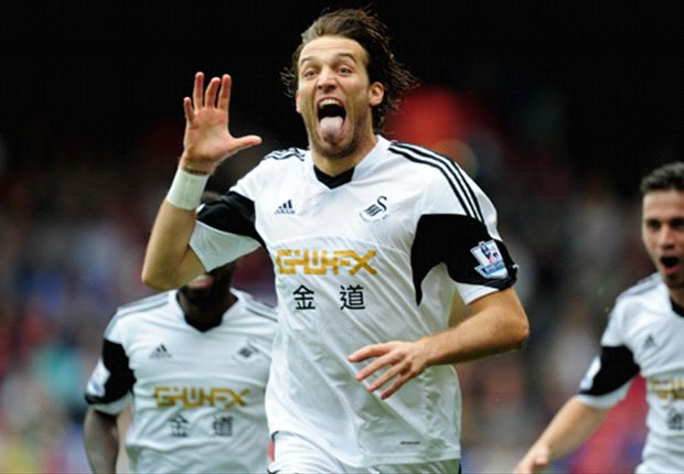 Crystal Palace 0-2 Swansea: Michu and Dyer provide easy victory