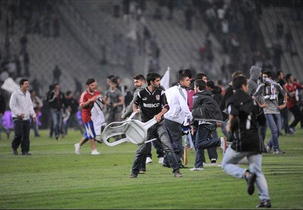 Fanausschreitungen sorgten für Spielabbruch des Istanbul-Derbys zwischen Besiktas und Galatasaray