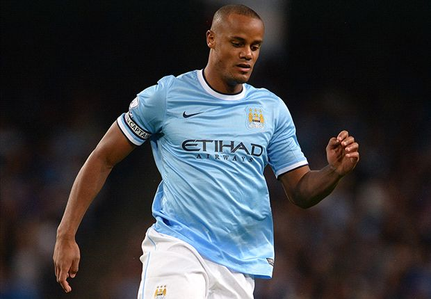 Manchester City captain Kompany suffers thigh strain