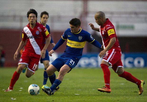 Iñíguez, en una jugada previa a la de la lesión, ya lo venía midiendo al Pichi Erbes.