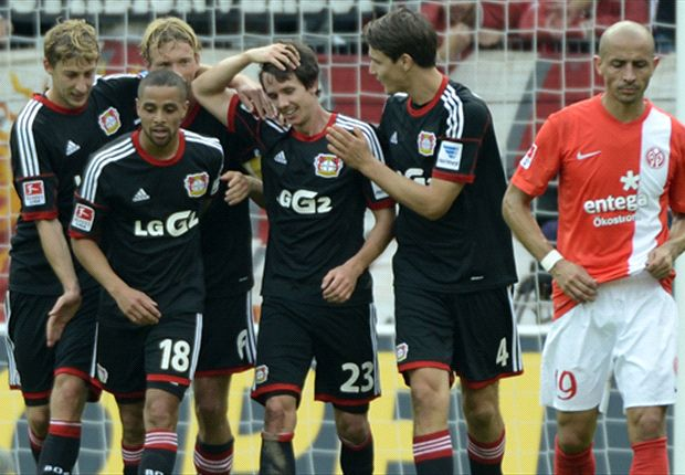 The new hero is congratulated by his team-mates