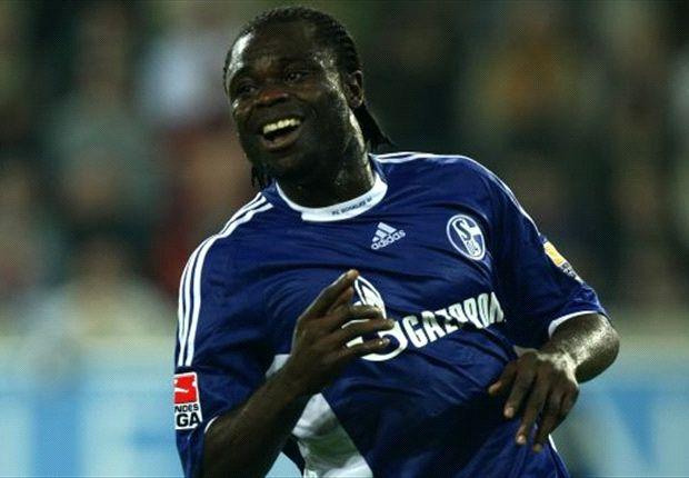 Schalke omarmt oud-legende Asamoah