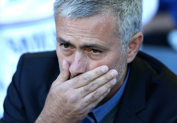 Mourinho storms out of Chelsea press conference