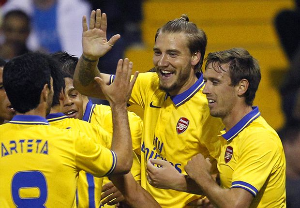 Wenger praises Bendtner's Arsenal return