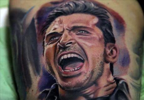 Buffon se tatúa la cara de un fan