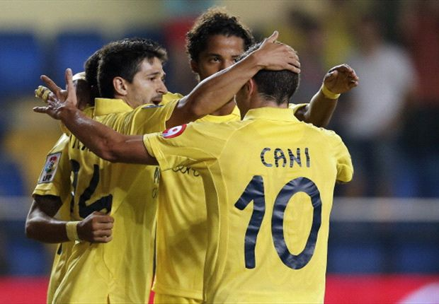 Villarreal venció a Granada y quedó en puestos de clasificación a la Champions League.