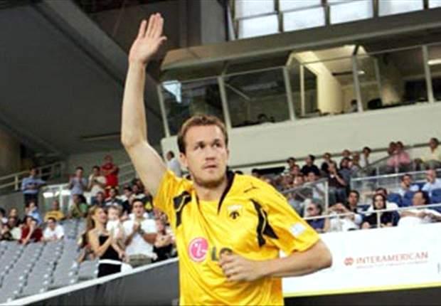 CFR Cluj 1-0 : Pantelis Kapetanos da el pase a los rumanos