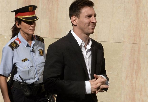 Messi arrives in court for tax fraud case