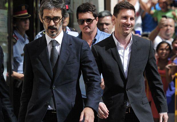 Leo Messi con su abogado Cristóbal Martell