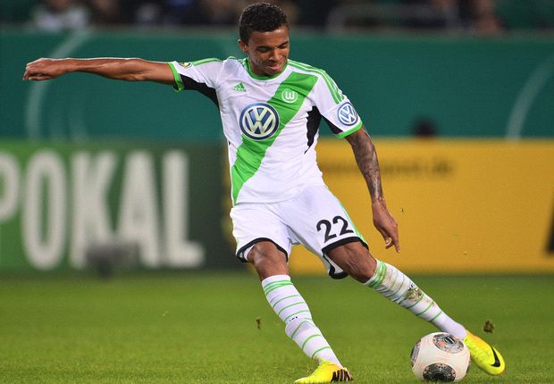 Luiz Gustavo refuses to rule out Wolfsburg exit
