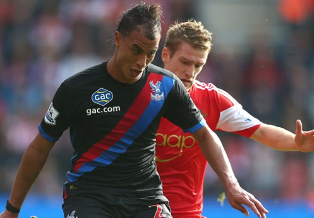 Holloway criticises Crystal Palace striker Chamakh for diving