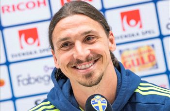 Ibrahimovic does not have to go to Manchester United - agent Raiola