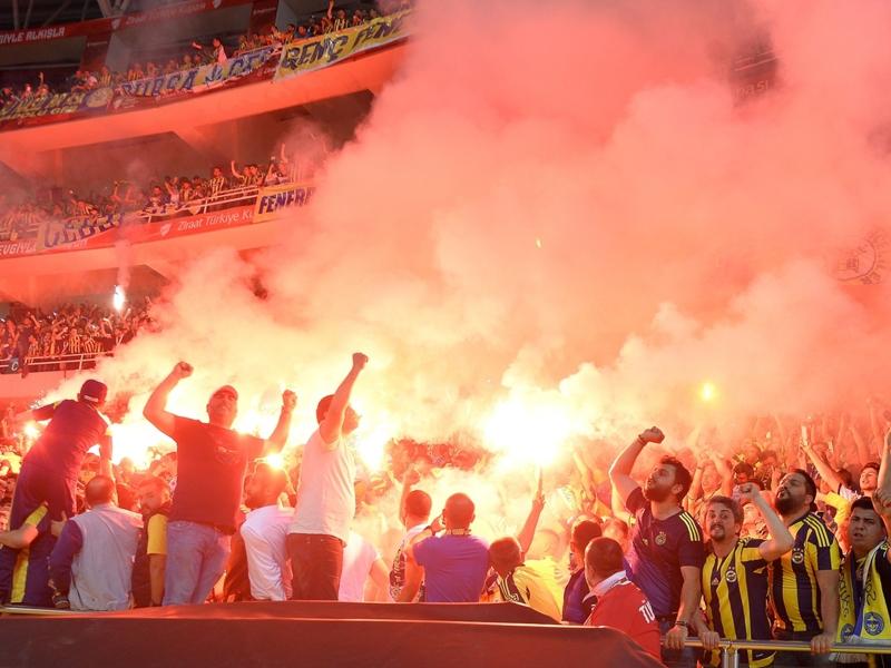 Turchia, il governo riapre i derby di Istanbul: Besiktas-Galatasaray anche per i tifosi ospiti