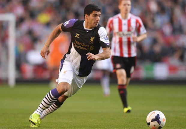 Twee goals Suarez bij zege Liverpool