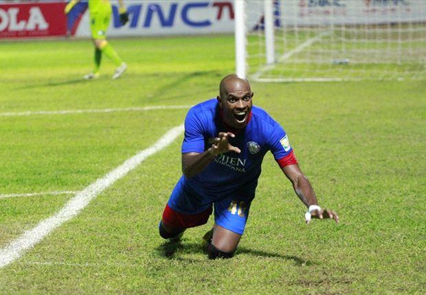 Keith Kayamba Gumbs menjadi pemain terbaik turnamen Menpora Cup 2013
