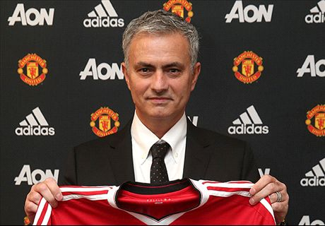 Man United names Mourinho manager