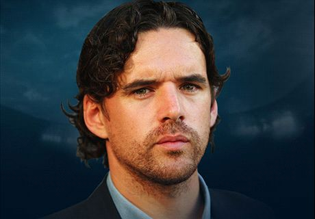 Send your questions to Owen Hargreaves' live Twitter chat!